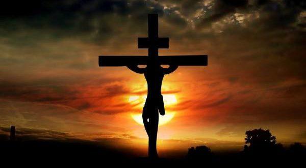 A vdiq në kryq Jezusi?